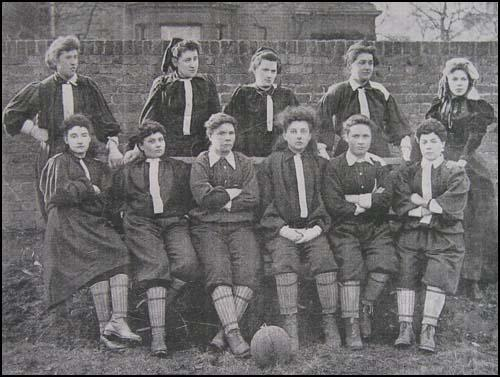 futbol femení historia