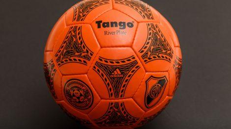 Adidas Tango taronja